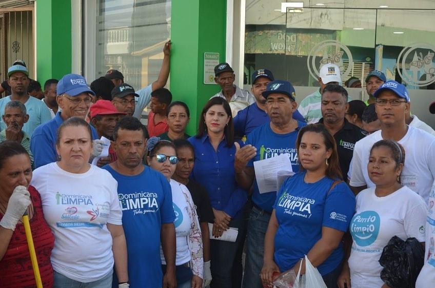 SEGUNDO OPERATIVO DE LIMPIEZA POR LAS CALLES Y BARIOS DE NUESTRO MUNICIPIO