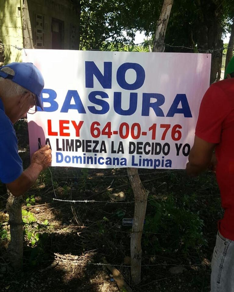 DOMINICANA LIMPIA Y ORNATO TRABAJANDO POR UNA CIUDAD LIMPIA