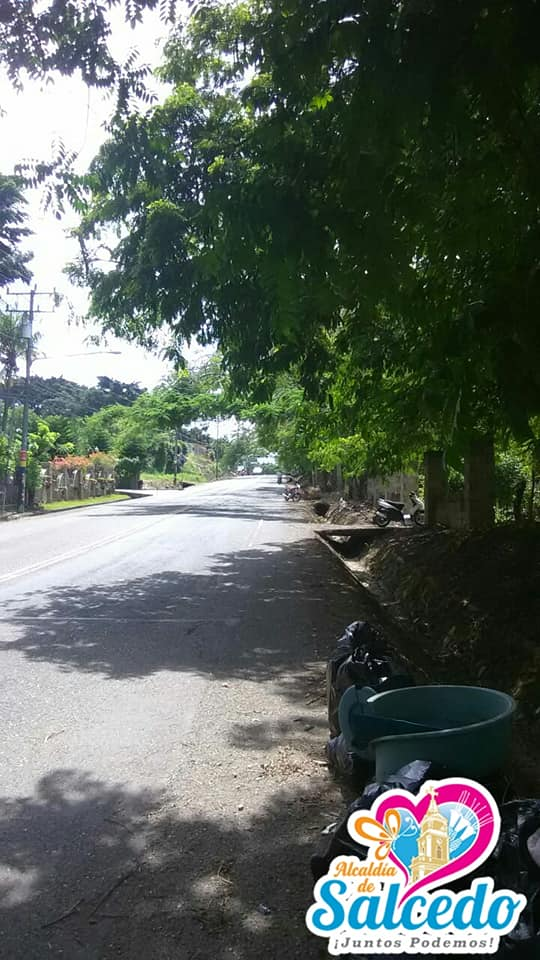 El ayuntamiento municipal de Salcedo y su departamento de Aseo Urbano, continúan realizando una serie de buenas prácticas para el embellecimiento y limpieza de la ciudad.